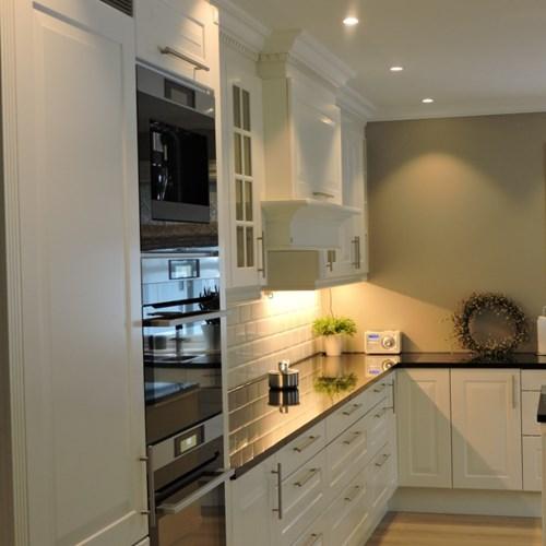 Kjøkken 1 med lys.jpg